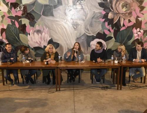 La participación de Vidal y Carrió en un encuentro con vecinos porteños en Caballito